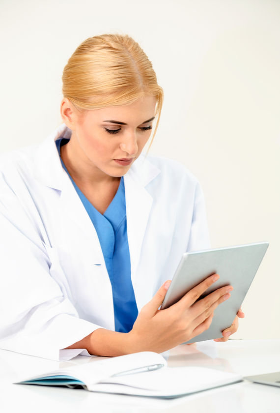 Female doctor on digital marketing training course for aesthetic professionals